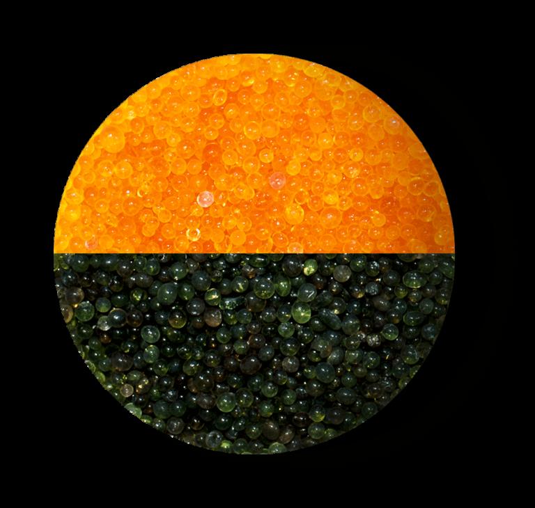 Żel krzemionkowy (silikażel) pomarańczowy - przed i po zmianie koloru